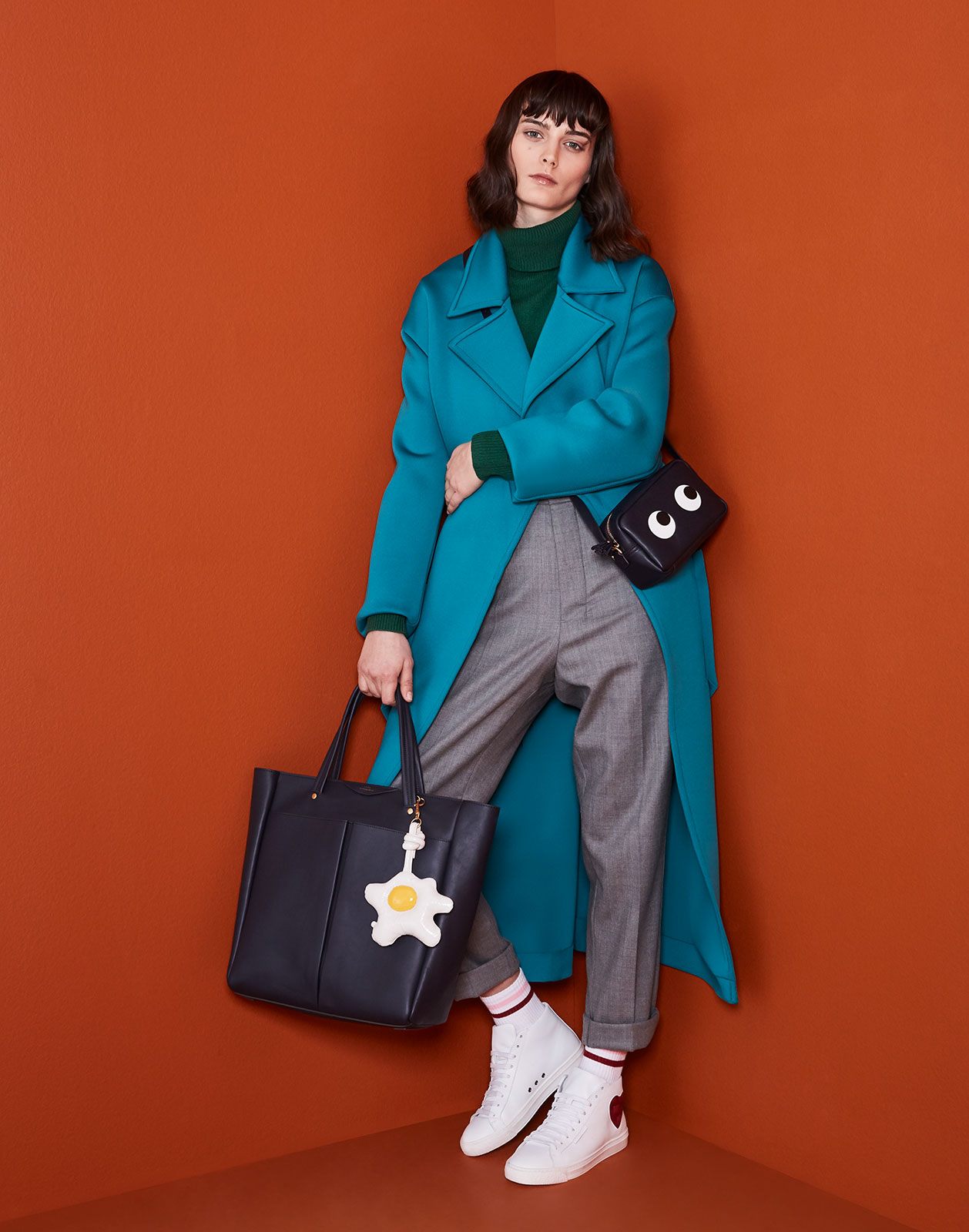 20180201_Anya_hindmarch_drop2_B35289_jb_crop_c60_n
